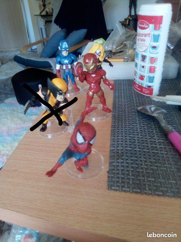 Figurines de Super-héros le lot de 4 pour 12 € 12 Mortain (50)