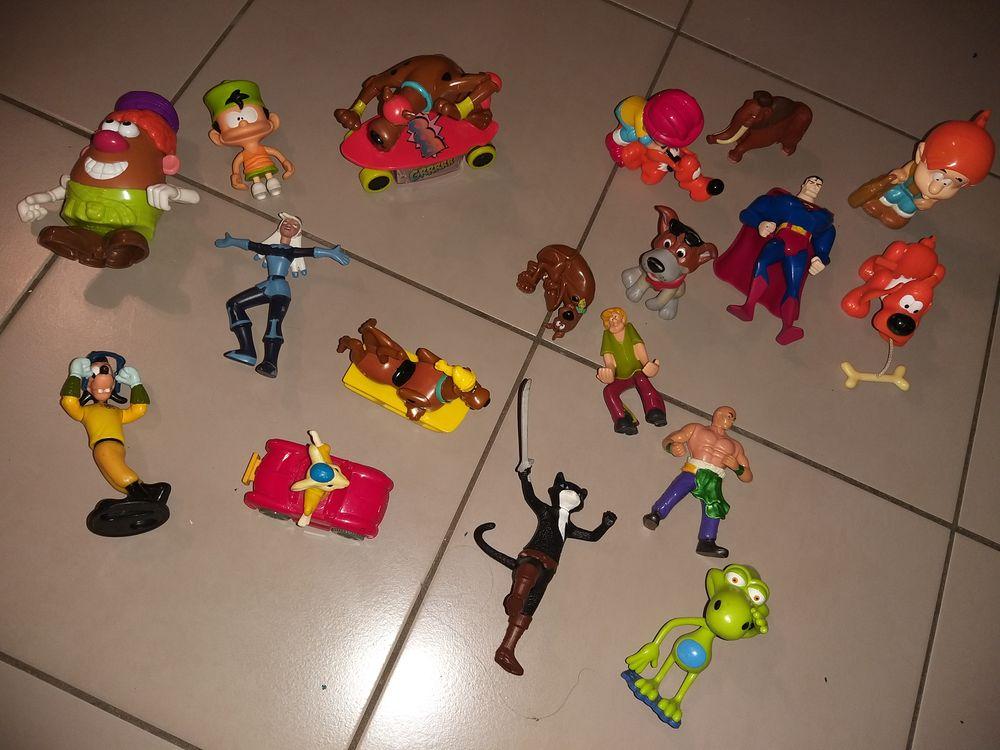 G/A Lot de figurines Wall Disney 15 Perpignan (66)