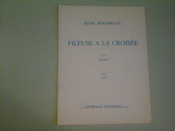 FILEUSE A LA CROISEE DE RENE BERTHELOT 8 Albi (81)