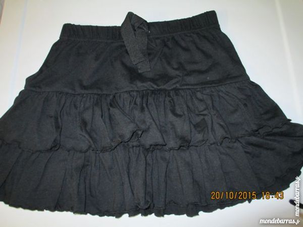 Fille NKY 12 A jupe volants noire 3 Alfortville (94)