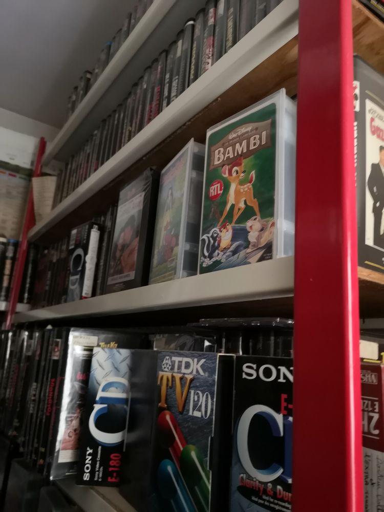 Films VHS Tout Genres  0 Mantes-la-Ville (78)