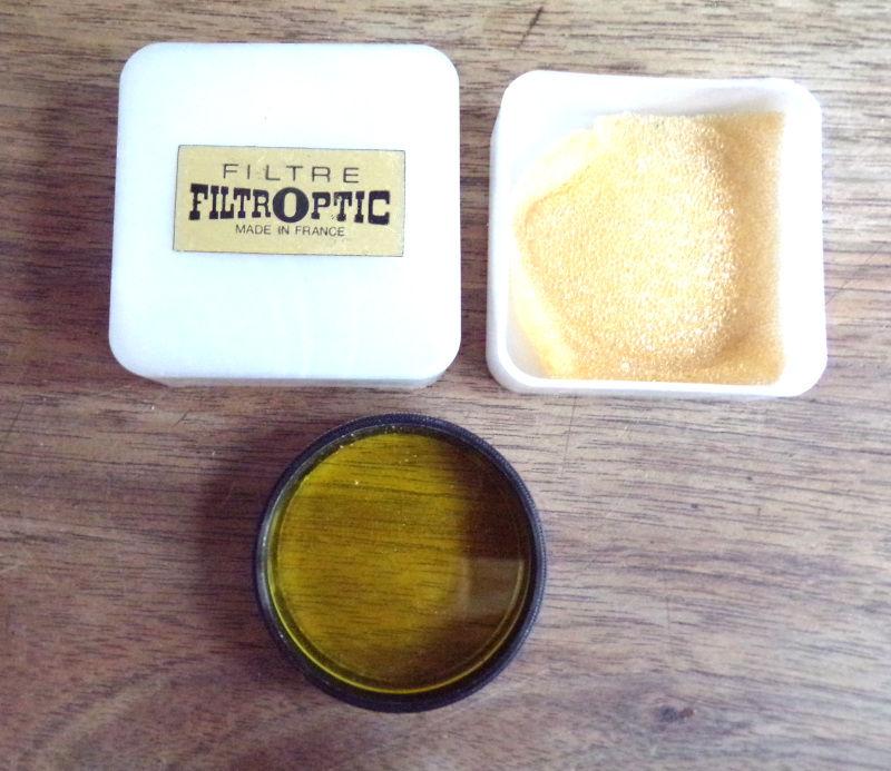 Filtre filtroptic 38 mm jaune , boîtier d' origine , 8 Laval (53)
