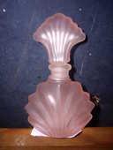 Flacon Rose en verre pour Parfum à 0,10 € 1 Bouxwiller (67)