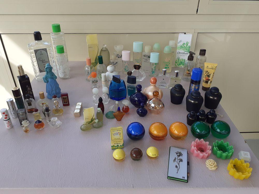 Flacons de Parfum divers... 35 Le Vernois (39)