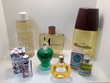 Lot de flacons de parfum factices