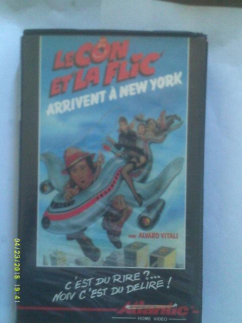 LE CON ET LA FLIC ARRIVENT A NEW YORK  edwige  fenech 0 Malo Les Bains (59)