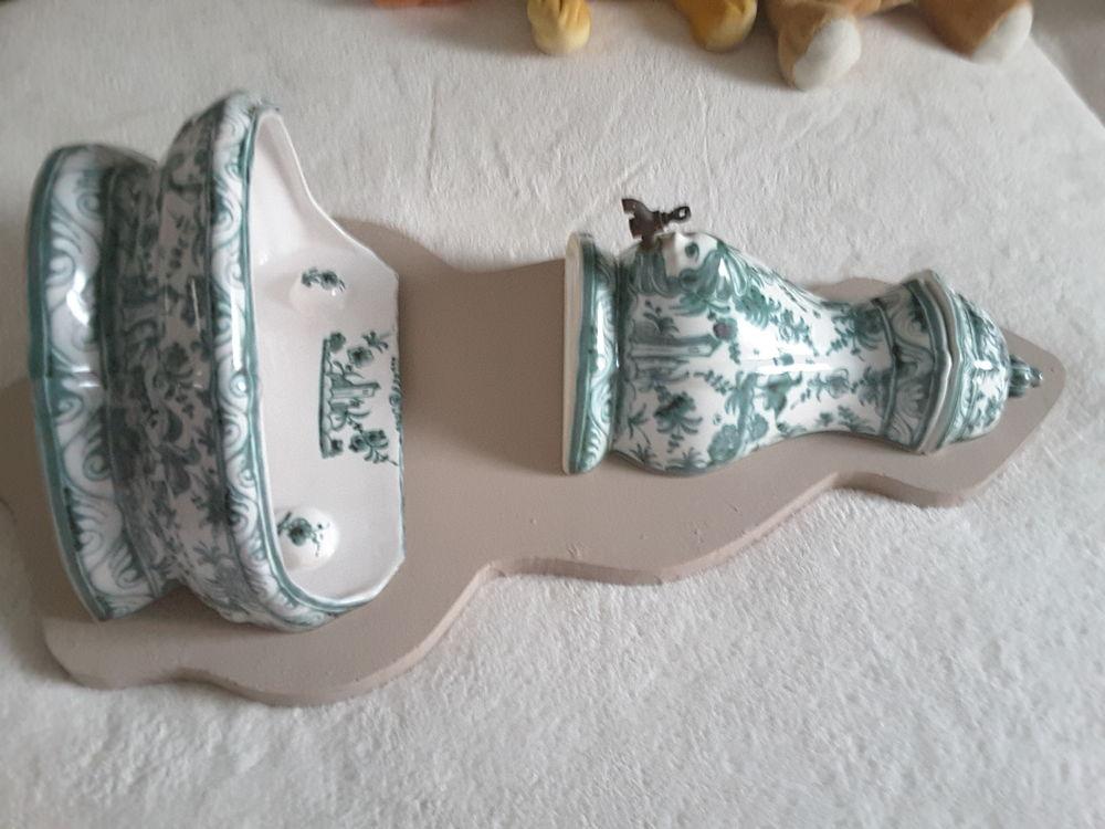 Fontaine murale porcelaine 50 Vannes (56)