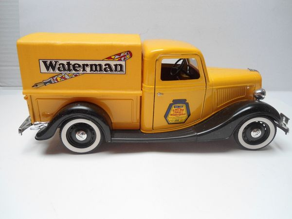 Ford V8 bâché 'Waterman' 1936 35 Follainville-Dennemont (78)