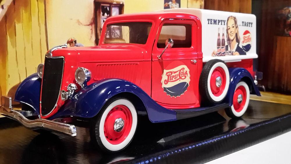 Ford pick-up bâché 'Pepsi-Cola' 1936 48 Follainville-Dennemont (78)