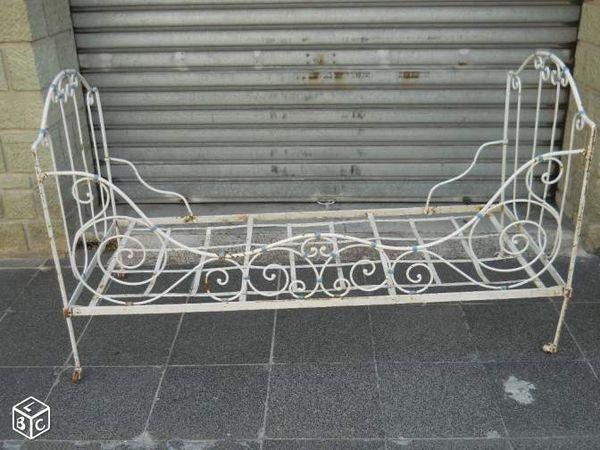 Achetez lit en fer forg occasion annonce vente fr jus for Repeindre un lit en fer forge