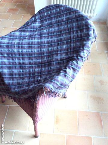 Foulard écosse violet DKNY 17 Le Cellier (44)