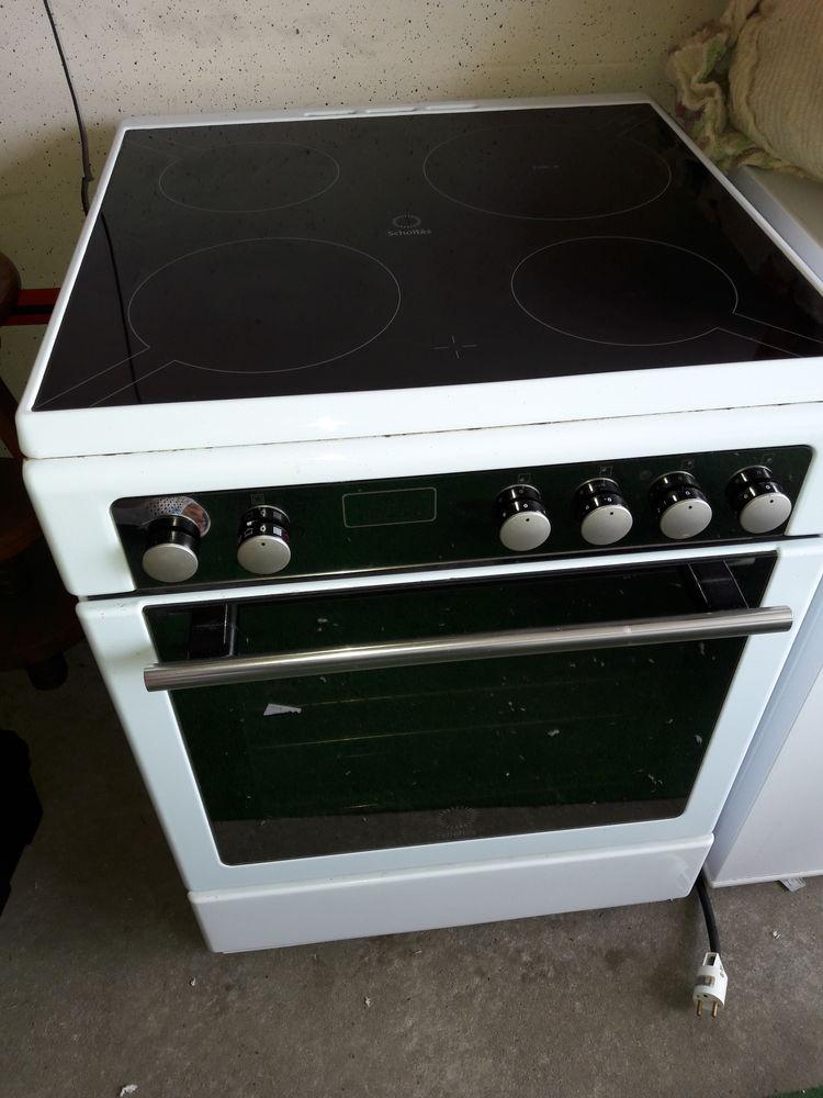 combine lave vaisselle four plaque cuisson brandt brandt. Black Bedroom Furniture Sets. Home Design Ideas