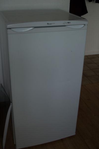 frigos occasion dans le lot et garonne 47 annonces achat et vente de frigos paruvendu. Black Bedroom Furniture Sets. Home Design Ideas