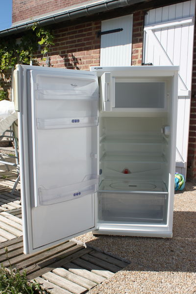 frigos occasion en ille et vilaine 35 annonces achat et vente de frigos paruvendu mondebarras. Black Bedroom Furniture Sets. Home Design Ideas