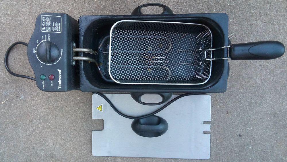 Friteuse électrique 2000 W Techwood TFR-333 20 Savigny-sur-Orge (91)