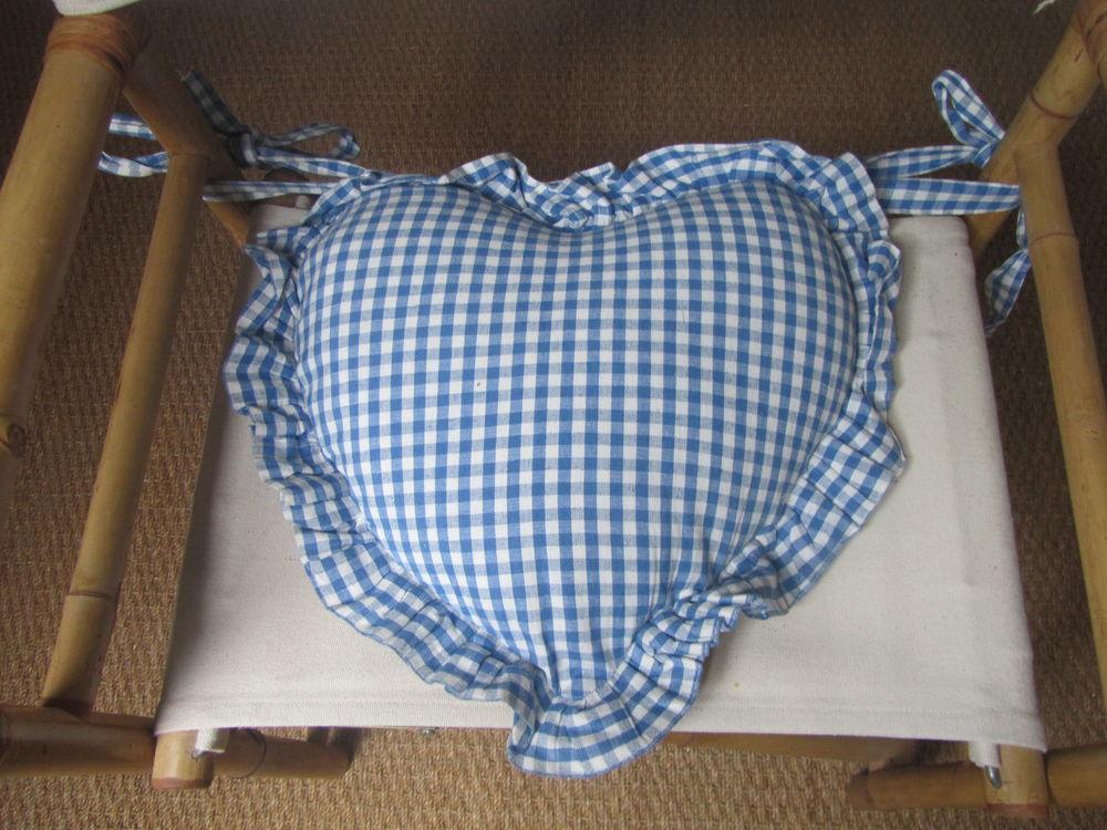 Galette de chaise coeur ou coussin ( 4 possibles) 5 Jouy-le-Moutier (95)