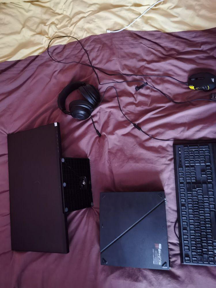 Pc gamer, écran, clavier, souris, casque  1200 Rezé (44)