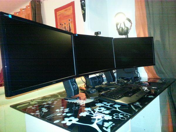 ordinateurs pc fixes occasion annonces achat et vente de ordinateurs pc fixes paruvendu. Black Bedroom Furniture Sets. Home Design Ideas