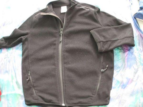 garçon gilet polaire 10 A Quechua noir 3 Alfortville (94)