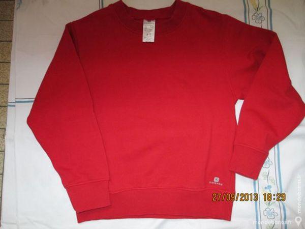 Garçon 8 A sweat shirt DOMYOS rouge 2 Alfortville (94)
