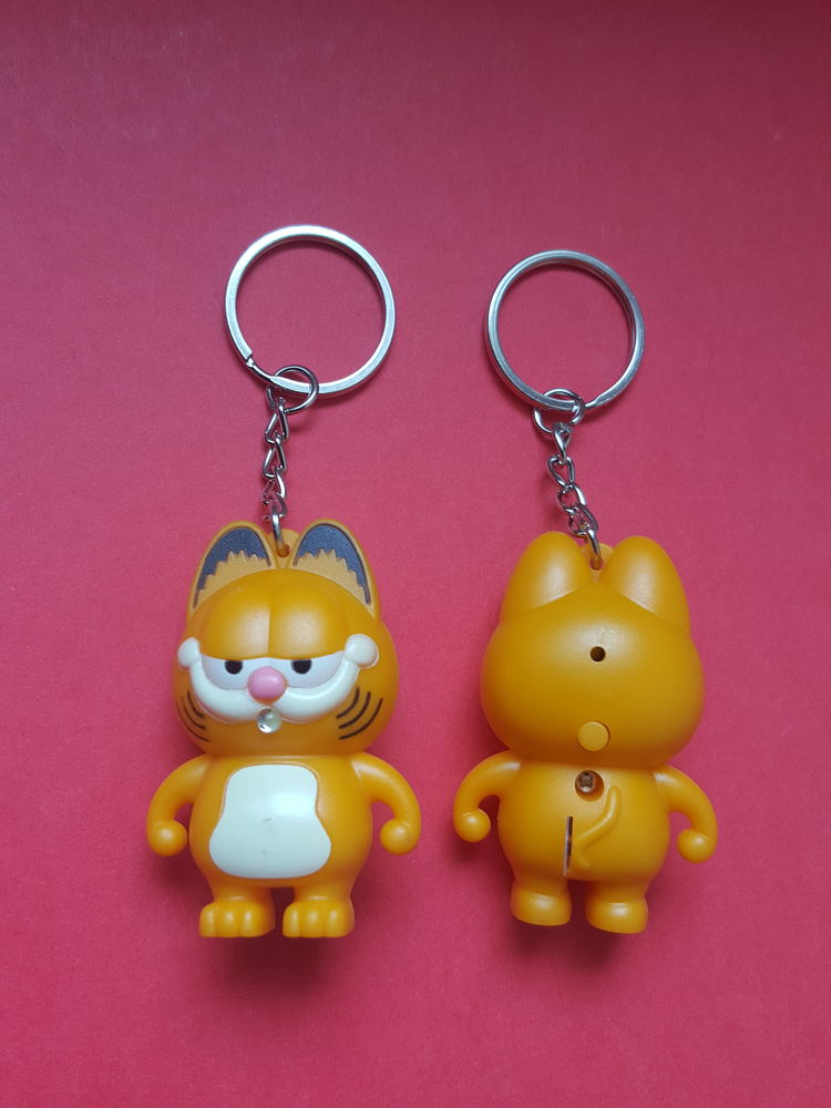Garfield porte clefs éclairant et sonore  2 Rochefort (17)