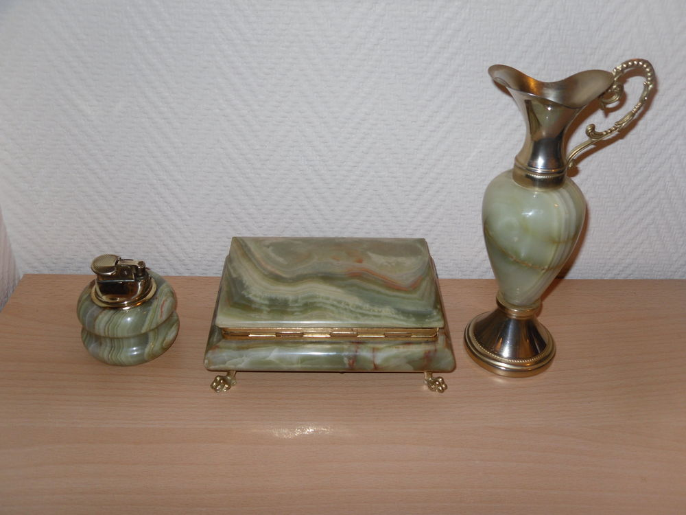 Garniture de Bureau style Napoleon 3 Onyx Vert Lot 30 Neuville-de-Poitou (86)