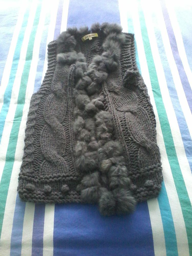 Gilet en crochet avec pompon et  fourrure à la mode neuf  12 Tourcoing (59)