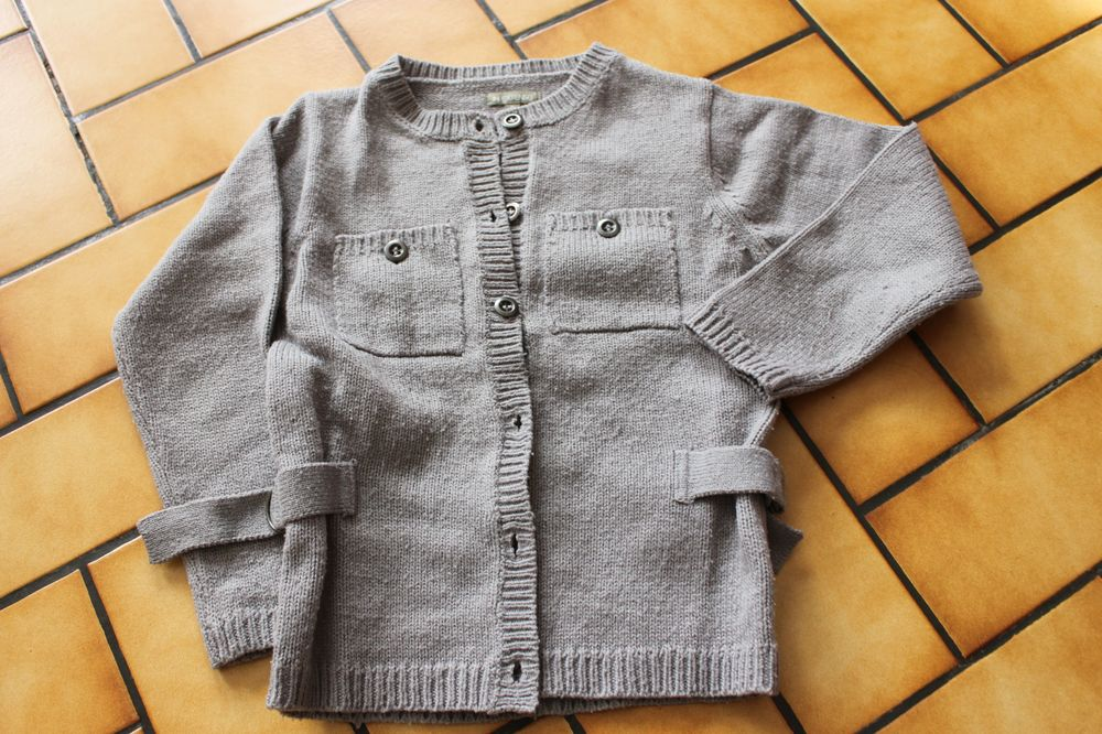 Gilet in extenso 6 ans gris 2 Wervicq-Sud (59)