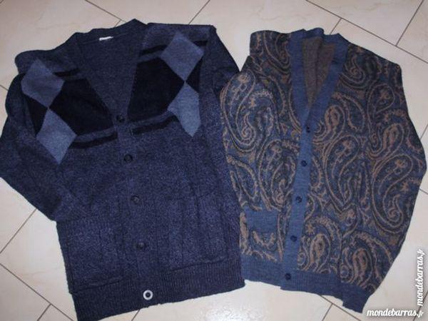 LOT DE 2 GILETS HOMME    bleu   taille 46/48  18 Chauny (02)