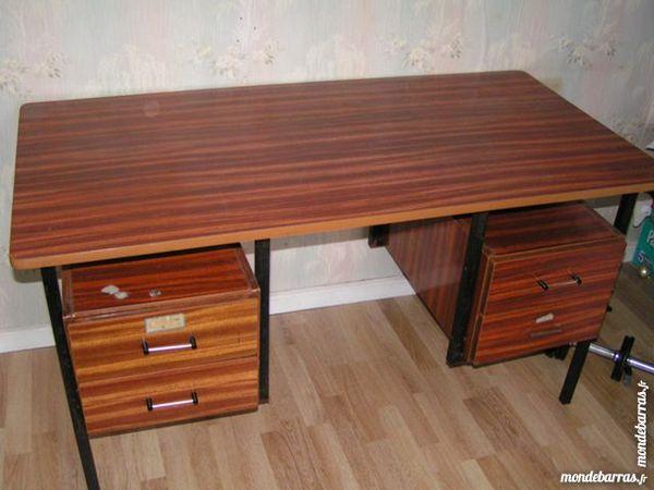 bureaux occasion compi gne 60 annonces achat et vente de bureaux paruvendu mondebarras. Black Bedroom Furniture Sets. Home Design Ideas