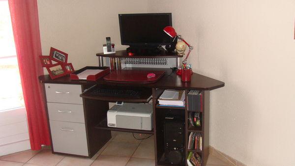 Achetez grand bureau d 39 angle occasion annonce vente la garnache 85 w - Grand meuble d angle ...