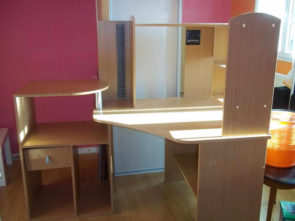 grand bureau d angle grand bureau d 39 angle de travail ou de jeu pour pc et mac fauteuilgamer. Black Bedroom Furniture Sets. Home Design Ideas