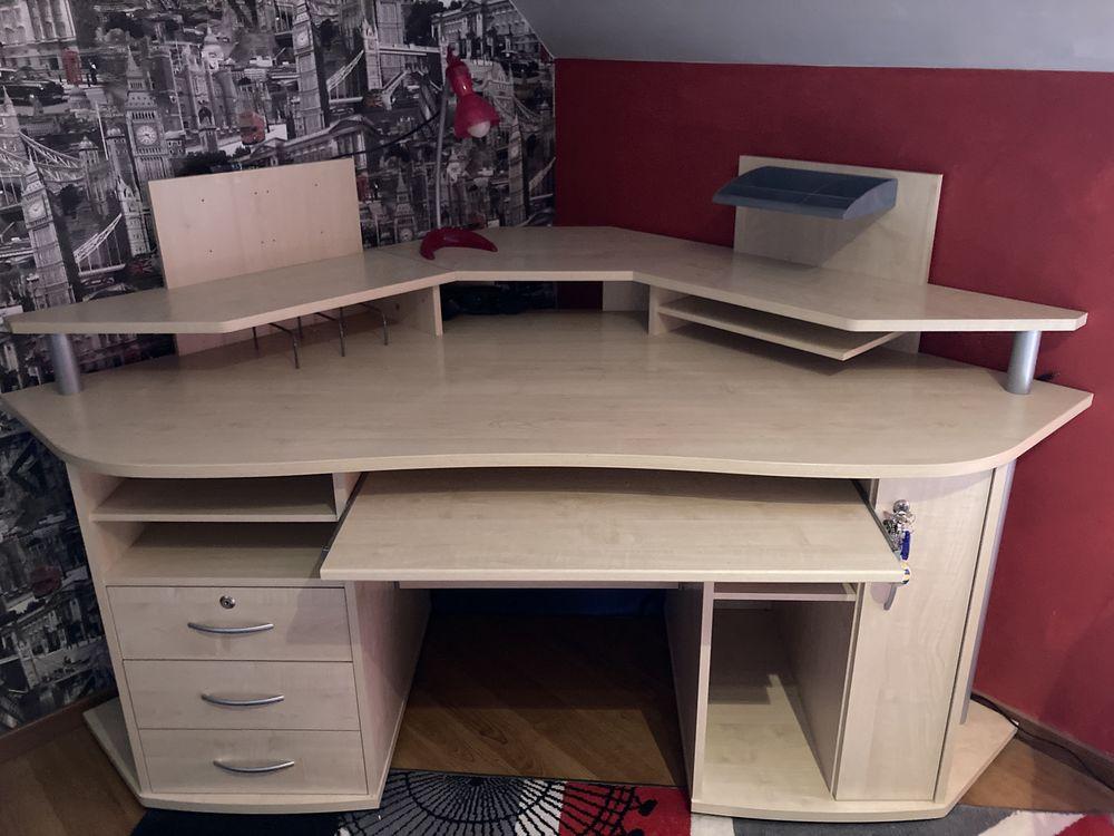 Grand bureau d'angle de marque IKEA  115 Courrières (62)
