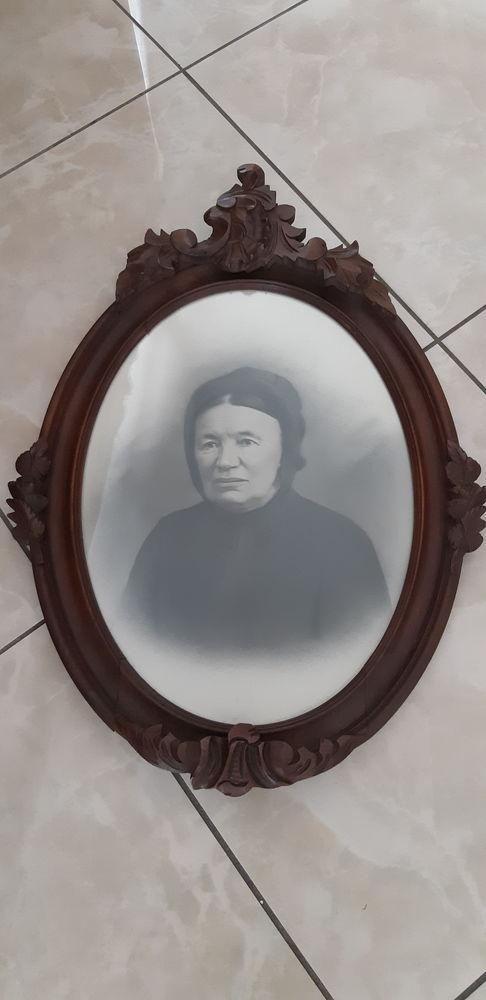 grand cadre avec photo en bois sculpté ovale XIX 40 Bussy-Saint-Georges (77)