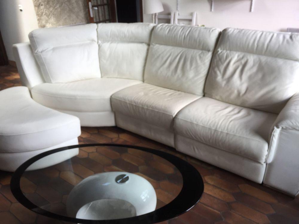 Grand canapé 3 places + angle + pouf demi-lune cuir blanc 2600 Saint-Ismier (38)