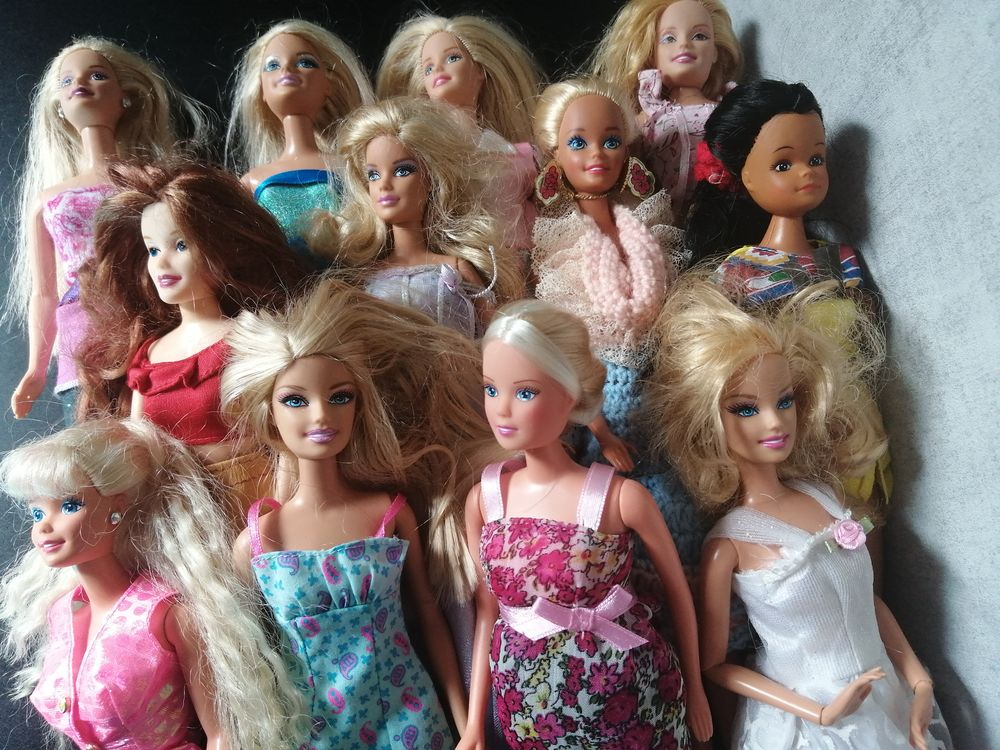 Grand choix de jouets et vêtements pour filles 3-6ans  0 Lardy (91)