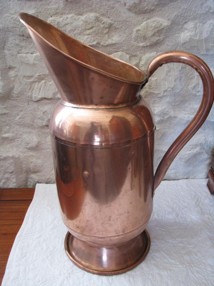 Grand pot en cuivre - porte parapluie - cruche - pichet - 60 Loudun (86)