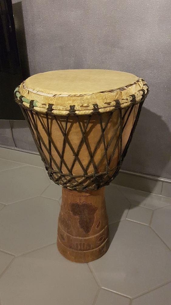 Grand Djembé artisanal Côte d'Ivoire 50 Évry (91)