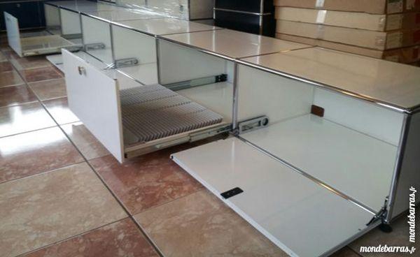 grand lowboard hifi/tv gris clair  usm haller à 6 cases 2800 Provins (77)