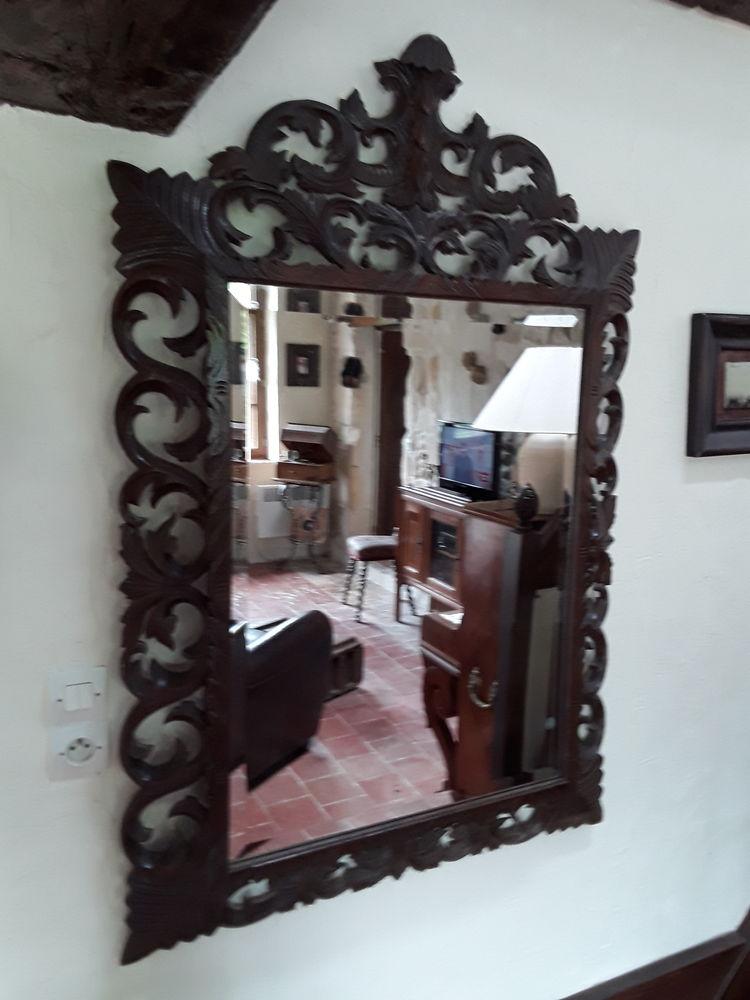 Grand miroir bois ciselé fin 19ème siècle  310 Cheptainville (91)