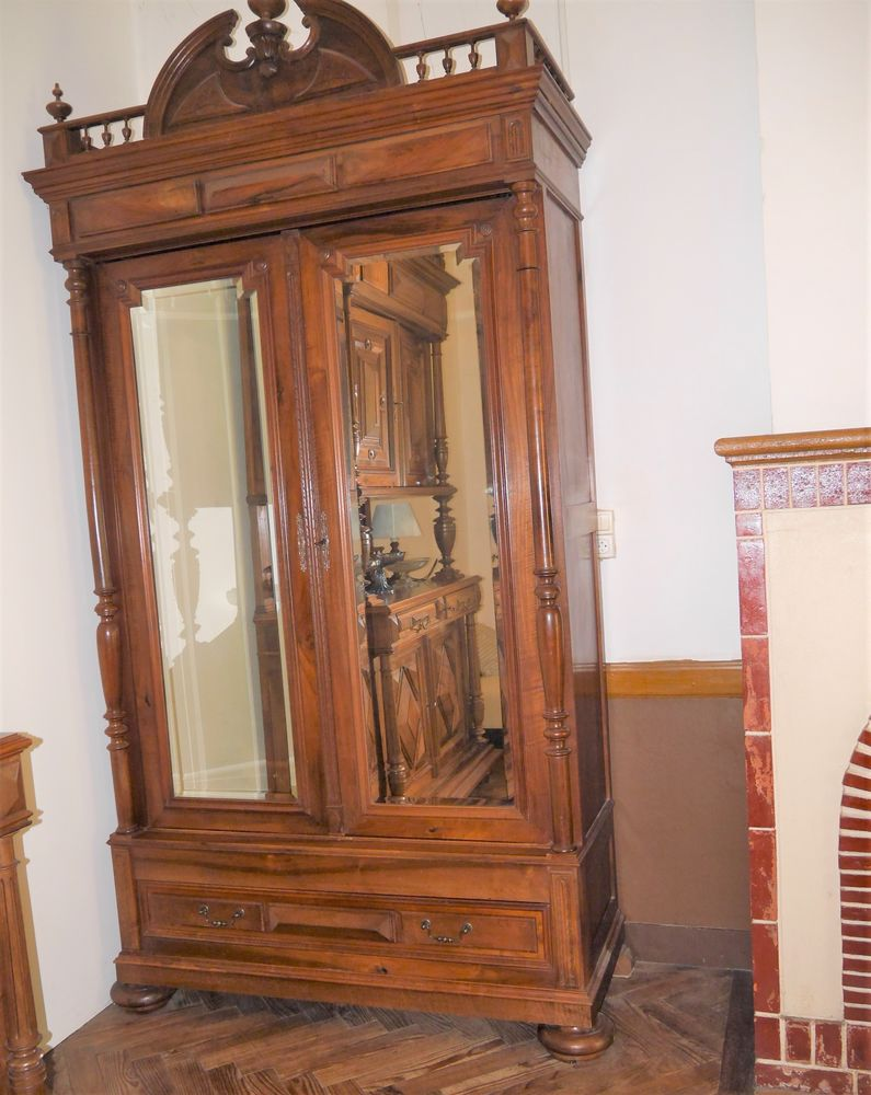 Grande armoire à linge style Renaissance 0 Saint-Médard-en-Jalles (33)