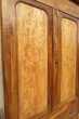 Grande armoire lingère en noyer et loupe, Louis Philippe Meubles