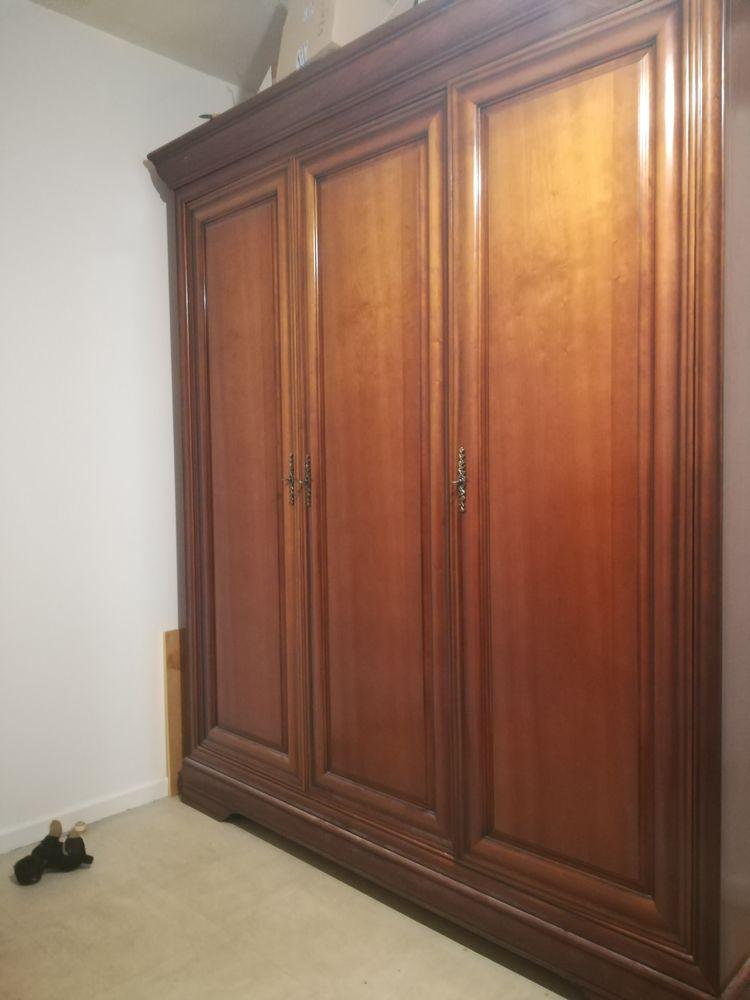 Grande armoire en merisier 1O0 euro 100 Hauterives (26)