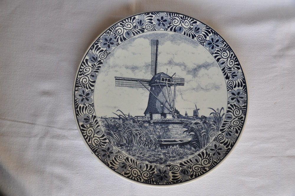 Grande assiette à suspendre Moulins Hollande Delft 20 Guilvinec (29)