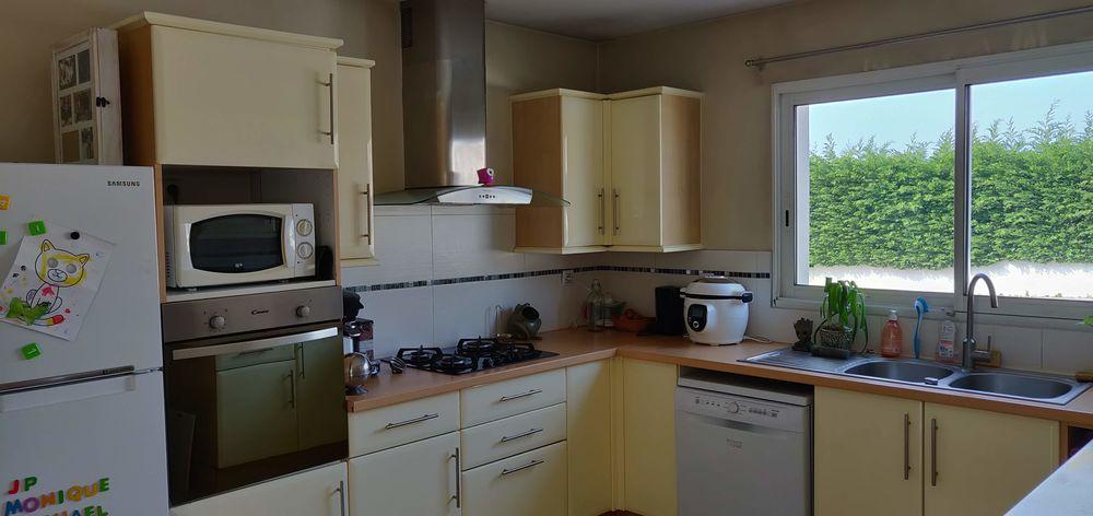 grande cuisine avec electromenagé 1600 Couëron (44)