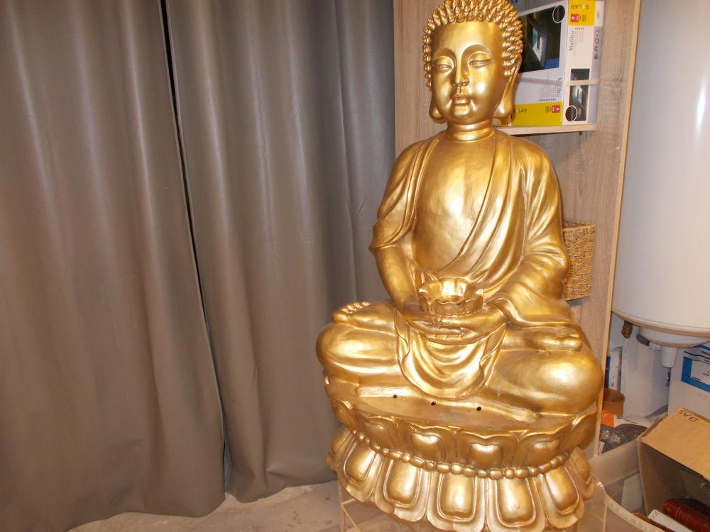 Grande fontaine bouddha  doré en très bon état  100 Valaurie (26)
