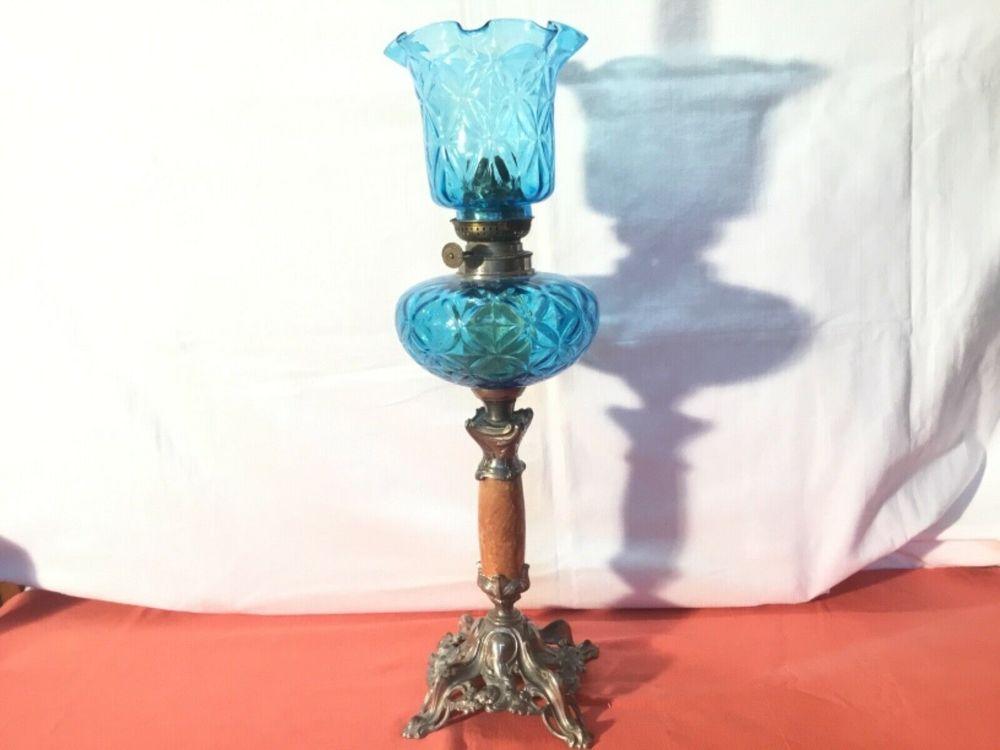 Grande lampe à pétrole en étain et verre bleu 179 Mazaugues (83)