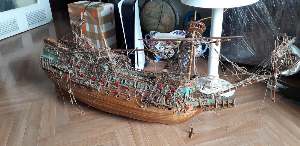 Grande maquette de bateau Sovereigne des mers années 70/80 450 Marseille 15 (13)