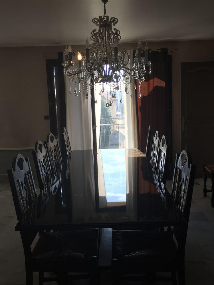 Grande Table salle à manger plus chaises  400 Villeurbanne (69)