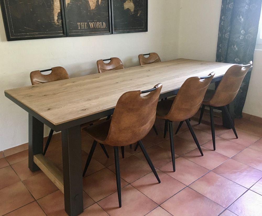Grande table de salle à manger en chêne et metal 700 Seillans (83)